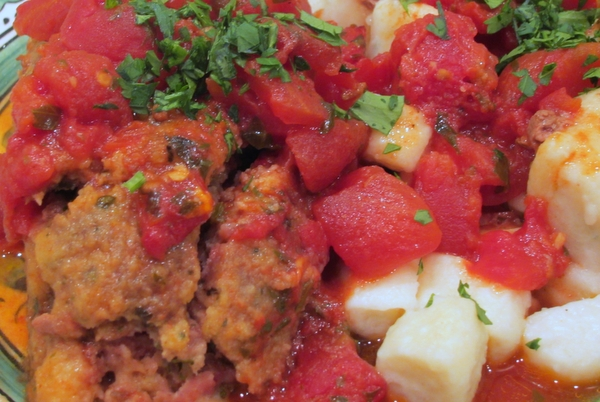 Italian Meatloaf with Spicy Tomato Sauce